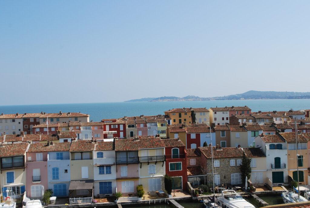 maisons-colorées-port-grimaud